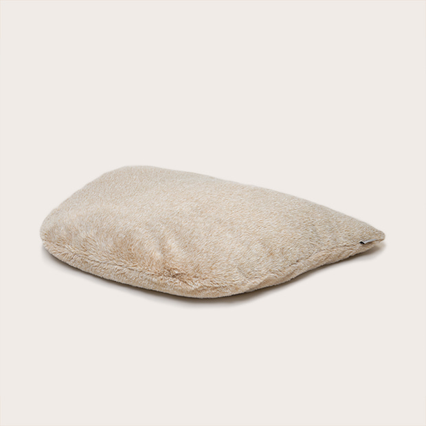 [ FUR CUSHION ] HOWLY